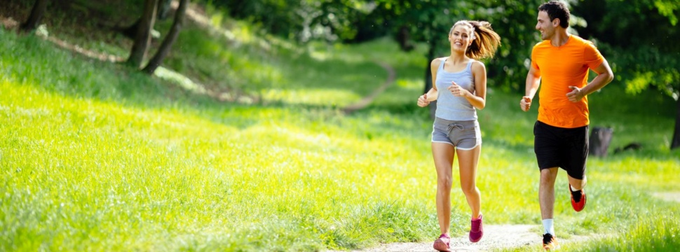 Laufen im Park, © nd3000 / iStock.com