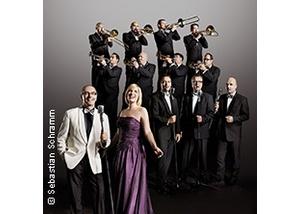 The World Famous Glenn Miller Orchestra - Jukebox Saturday Night